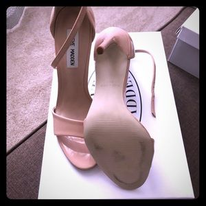 Steve Madden Shoes - Steve Madden Heels! Great color for the summer!